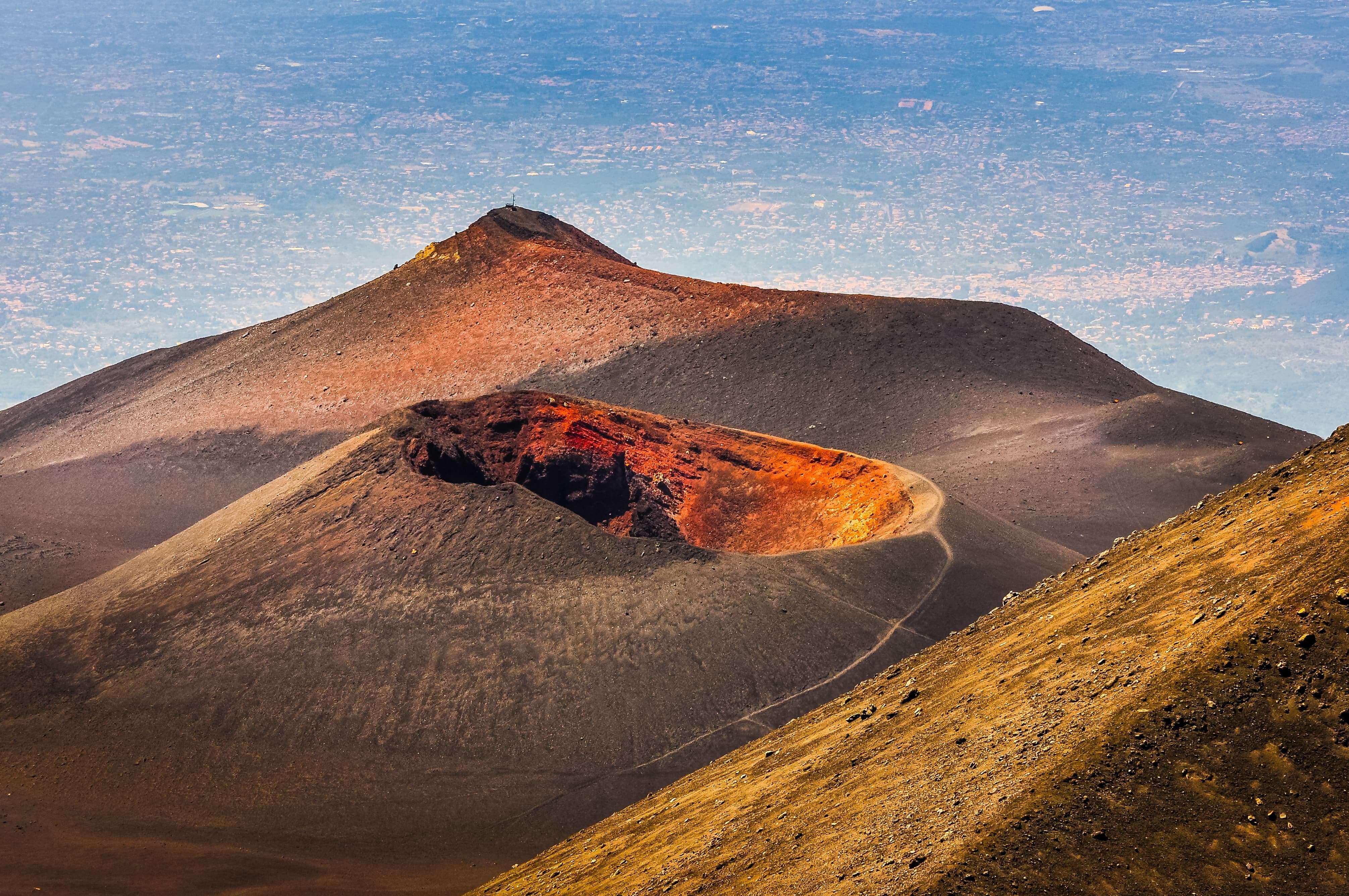 hikes-volcano-etna
