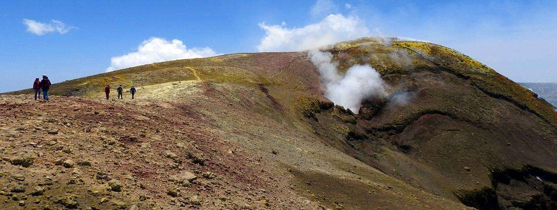 mount-etna-actvie-craters