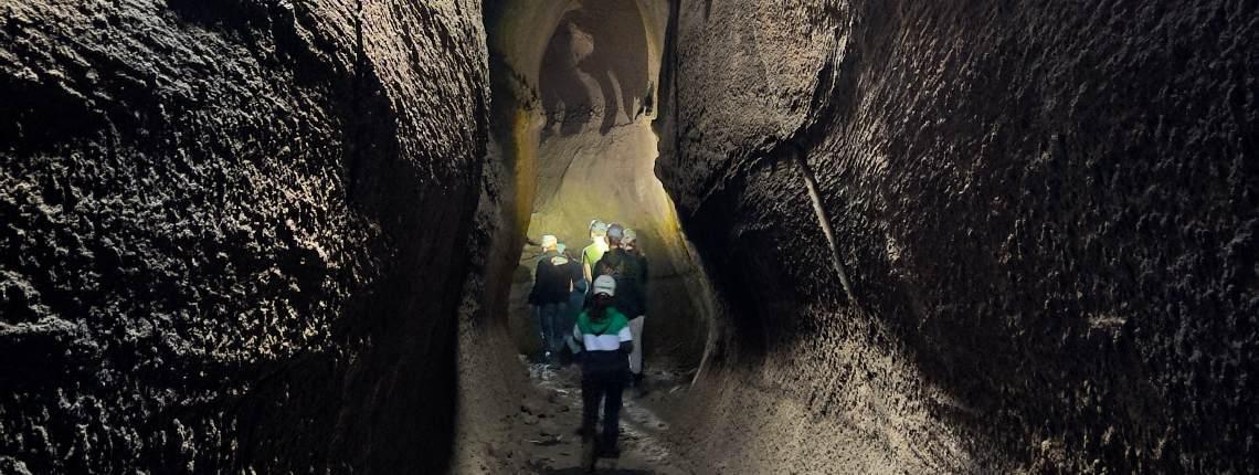 etna-tunnel-lave-serracozzo-etna3340