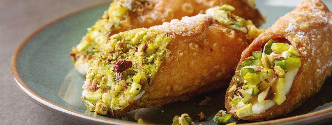 pistachio-bronte-cannoli