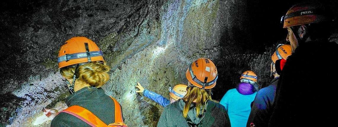 tunnel-lave-etna-sicile