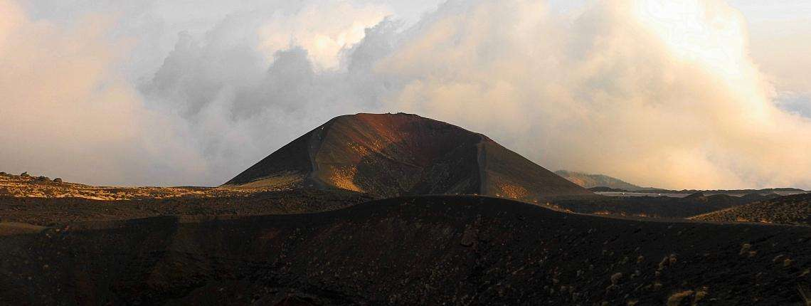 hike-etna-sunset
