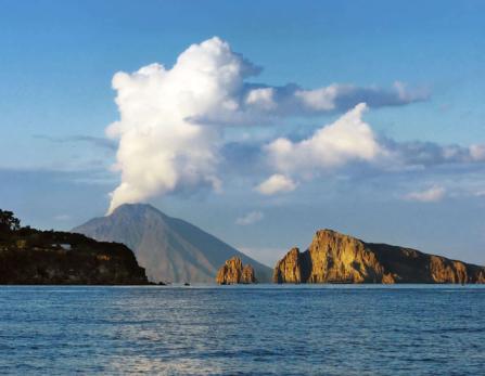 visiter le volcan stromboli, volcan stromboli eruption, stromboli histoire - etna3340